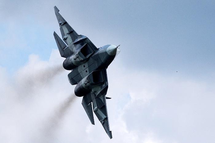 ВКС России в 2017 году получат истребители пятого поколения Т-50