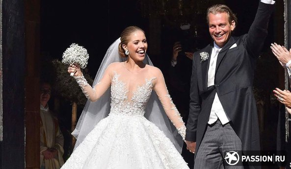 46-килограммовое платье и тысячи кристаллов: наследница империи Swarovski сыграла пышную свадьбу
