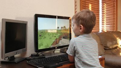 Игру Minecraft назвали причи…