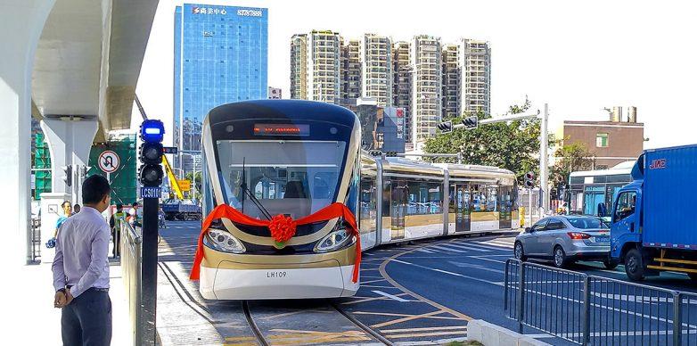 Будущее наступило: в Китае создали трамвай-беспилотник