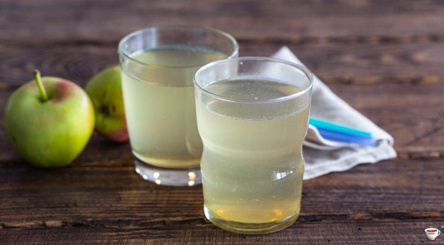 Яблочный напиток с медом в мультиварке