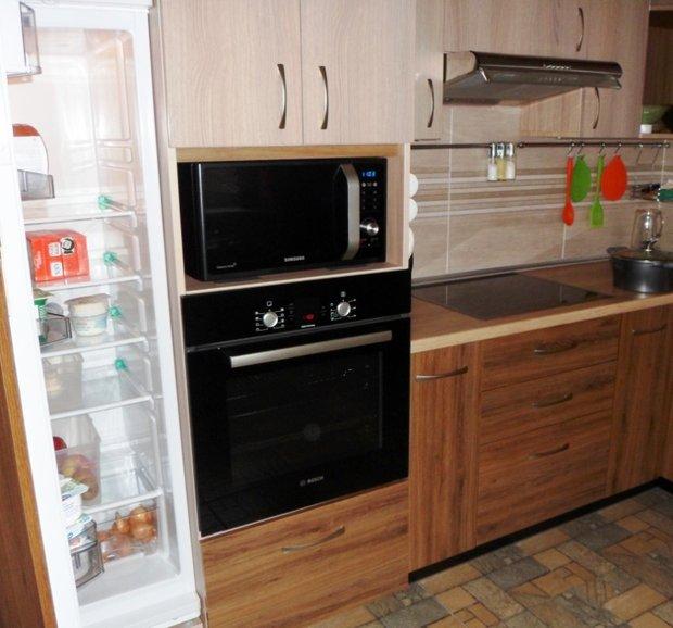 Кук писатель сделал всю кухонную мебель