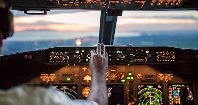Авиакомпания «Россия» пытается остановить утечку кадров за рубеж