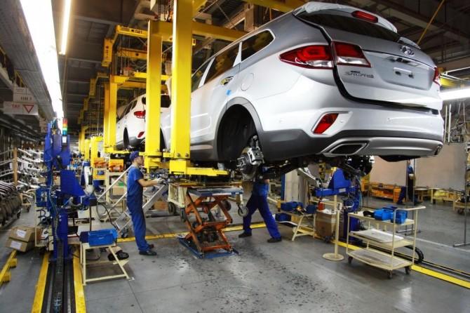В России началось производство кроссовера Hyundai Grand Santa Fe