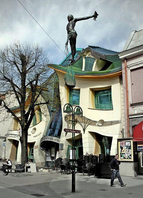 Вид на Кривой домик, Польша