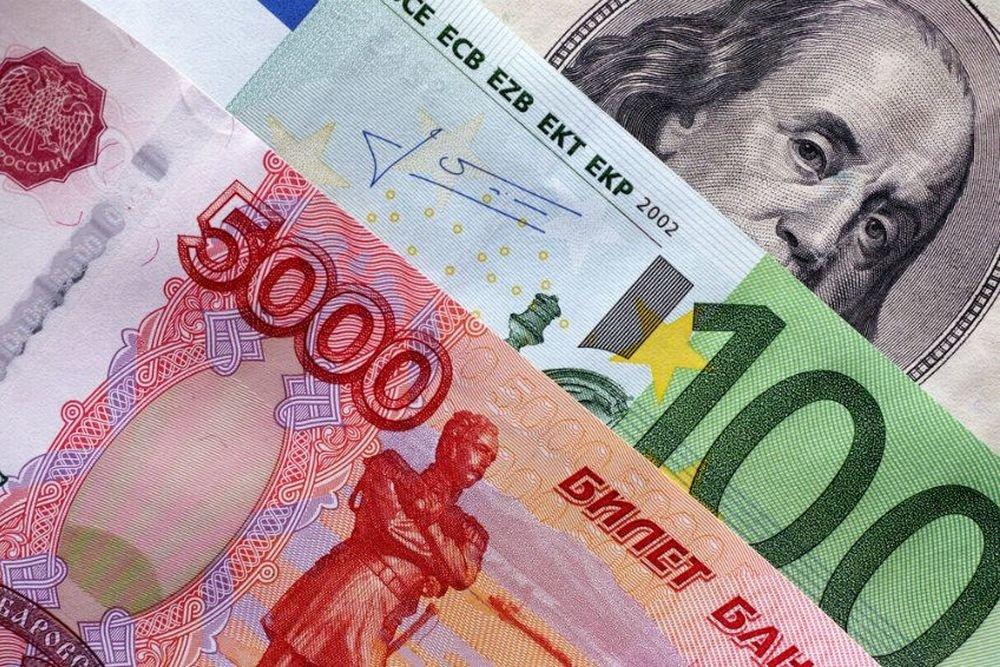 Курс евро вернется в лето 2015 года