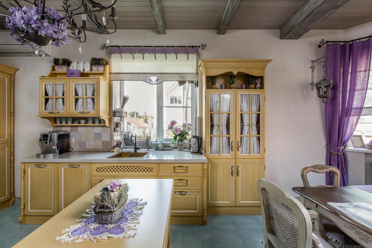 Интерьер в стиле прованс: загородный дом как из сказки