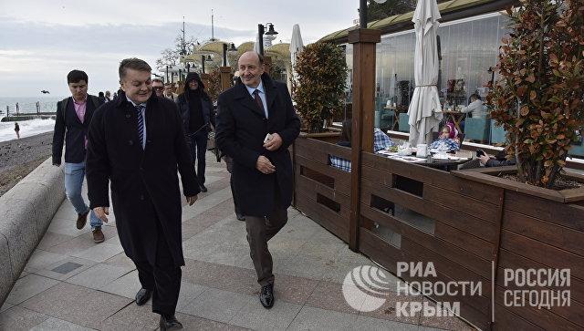 Крымчане попросили иностранных депутатов рассказать на родине правду о полуострове