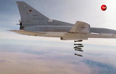Российские Ту-22М3 нанесли групповой удар по объектам ИГ в Дейр-эз-Зоре