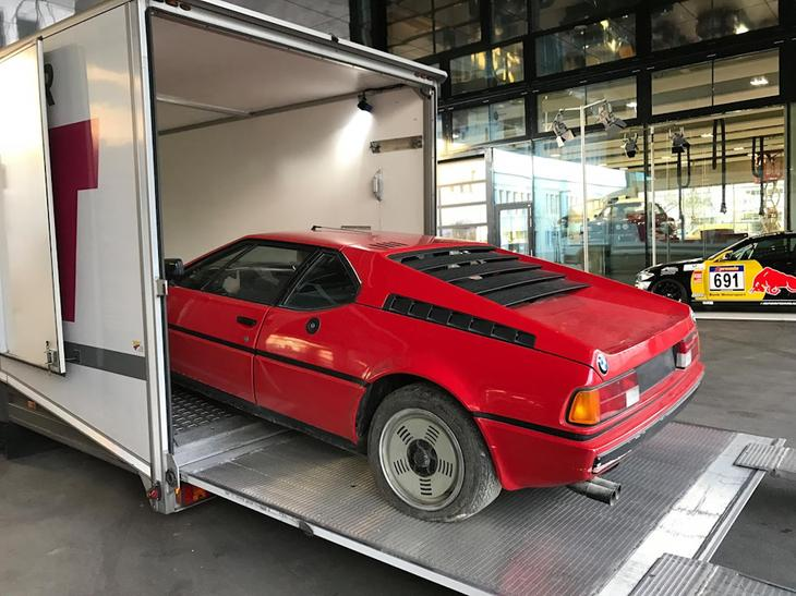 После многолетнего простоя в итальянском гараже M1 увезли в Германию, где ее приведут в порядок и поставят на ход