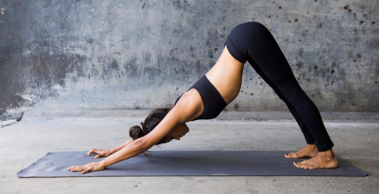 Доказана способность йоги защитить от рака и депрессии