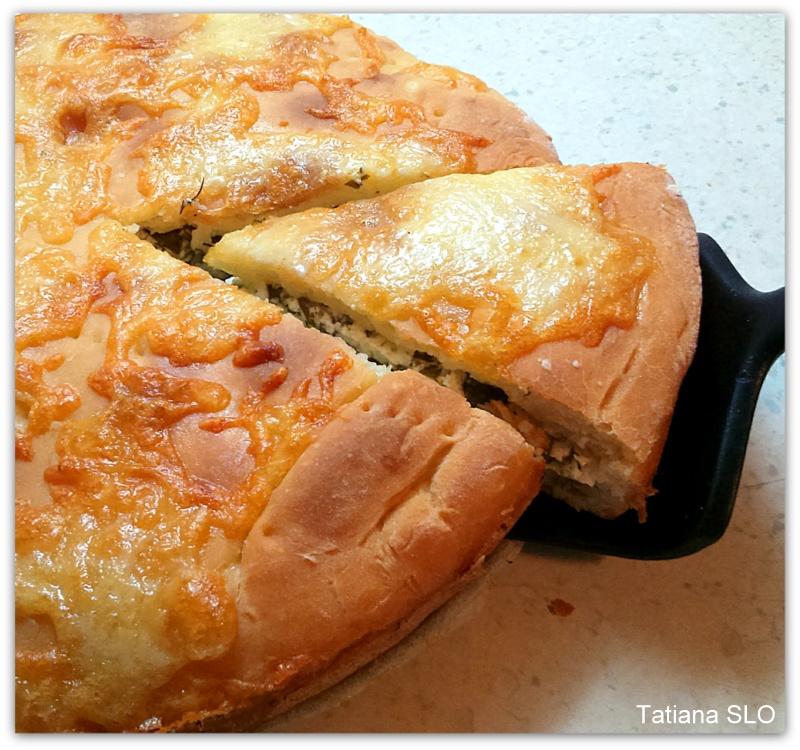 Несладкий пирог с творожно-щавелевой начинкой