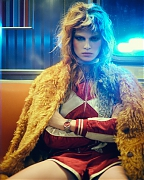 Анна Юэрс (Anna Ewers) в фотосессии Бу Джорджа (Boo George) для журнала i-D (зима 2013)