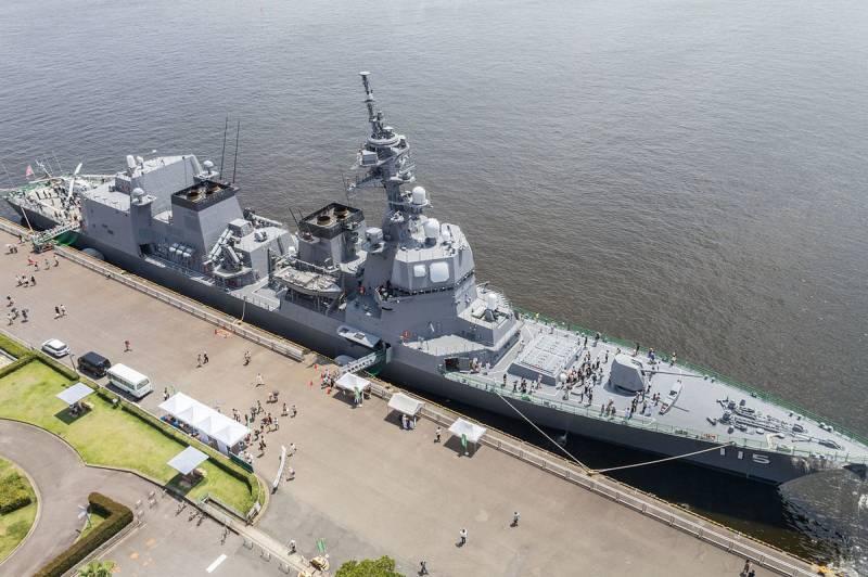 В Японии строится эсминец нового типа
