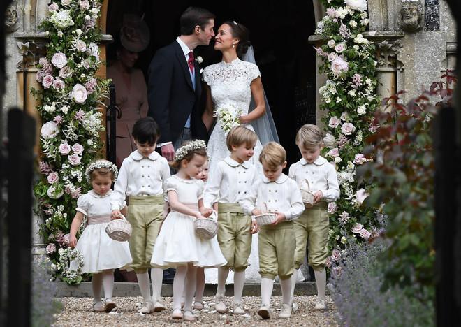 12 необычных правил, которым должны следовать королевские дети (фото 1)