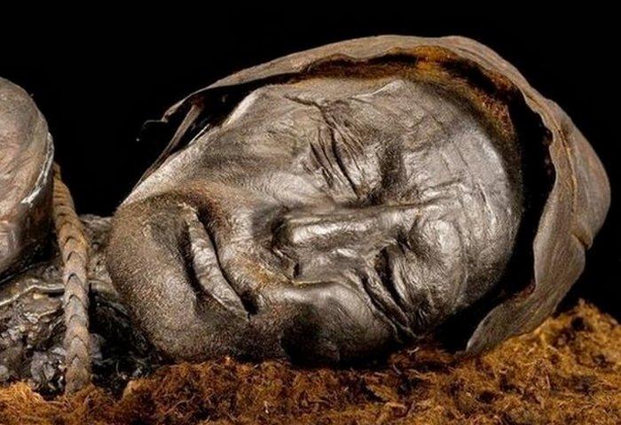 «Болотные люди»: 10 древних тел, найденных в торфяных болотах