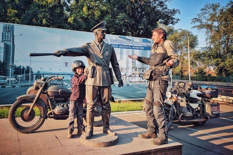"""""""Это был не я, клянусь!"""" монголия, мотоцикл, мотоцикл с коляской, мотоцикл урал, путешественники, путешествие, средняя азия, туризм"""