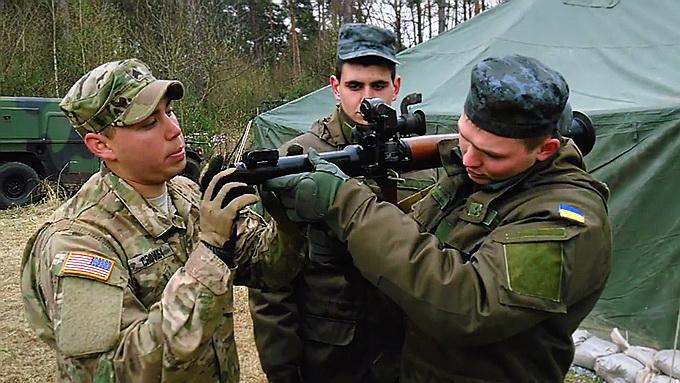 Украинские военные, обученные американцами, потерпели поражение на Донбассе