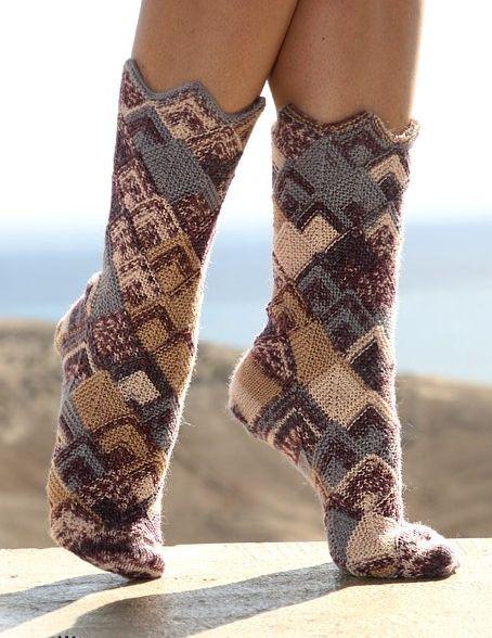 Вязаные носочки в стиле пэчворк