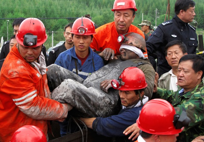 В 1997 году на шахте случился обвал. Спустя 17 лет один из шахтеров был найден живым!
