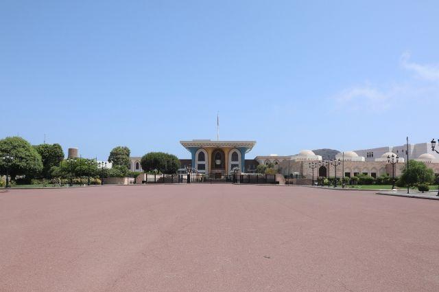 Оман решил упростить выдачу виз российским туристам