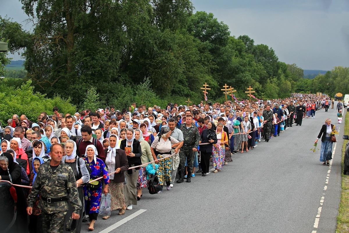 Украина. Крестный ход с молитвой о мире