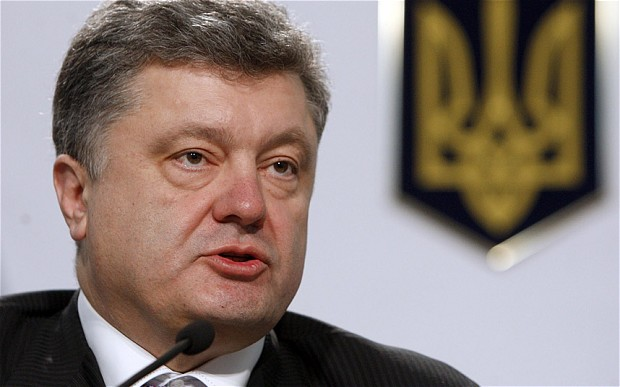 Порошенко поручил продумать план закупок электроэнергии в России