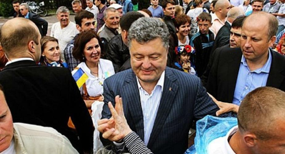 Янукович хочет провести очную ставку с Порошенко и другими должностными лицами