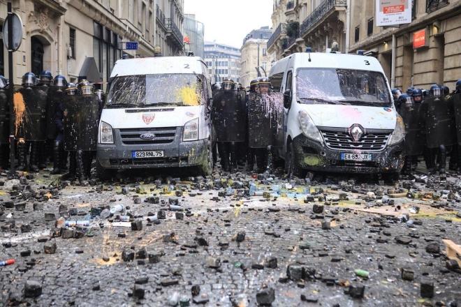О «злочинной владе» Макрона и парижском Майдане