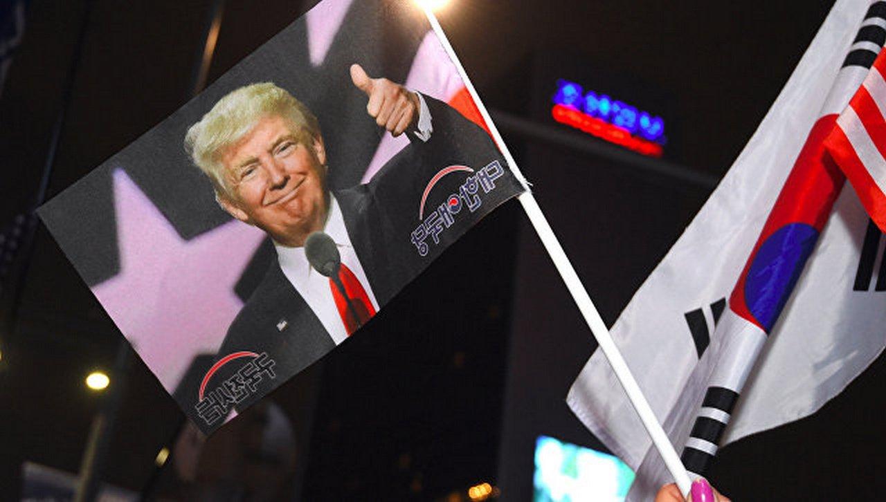 Обгоняя время: Трамп через год после избрания проснулся в другой стране