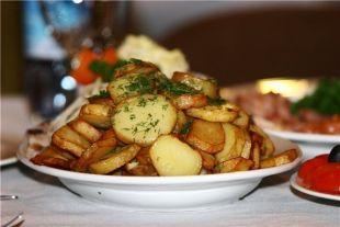 Нужно ли чистить молодую картошку?
