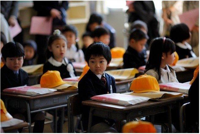 Как учатся дети в лучшей школе Японии