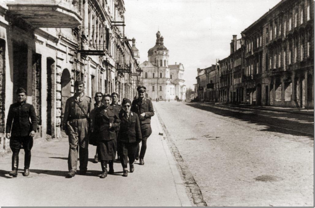 Die Welt негодуэ. Русские переписывают историю...