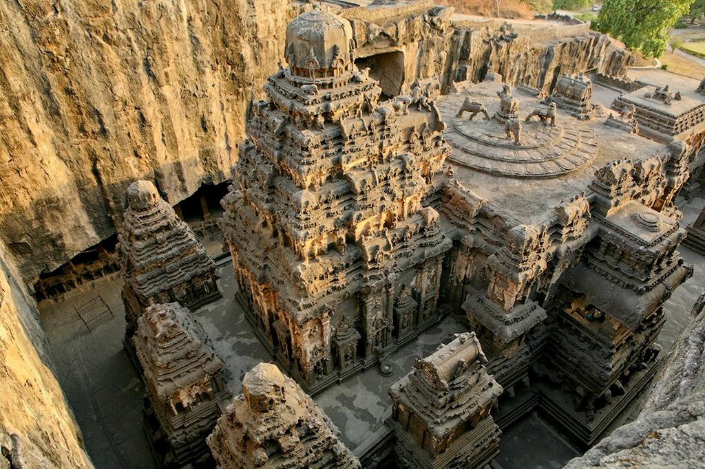 5832507478 b183982216 b Уникальный храм Кайласанатха