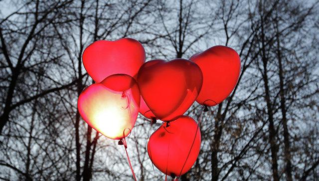 """""""Это дешевая духовная подделка. И, конечно, коммерческий проект"""": Аксенов считает празднование дня святого Валентина в школах недопустимым"""