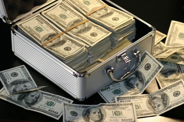 Американские СМИ сообщили о сокращении роли доллара в экономике РФ