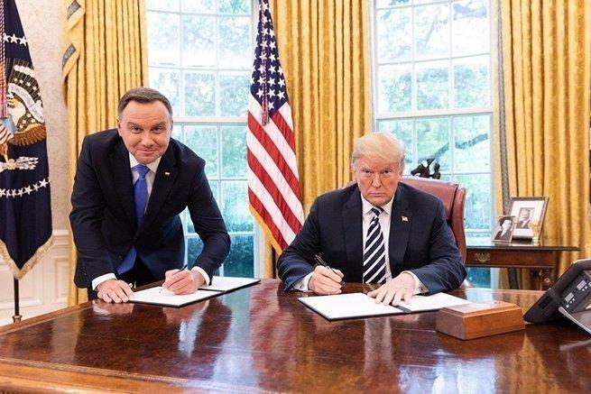 В Польше траур: «Форт Трамп»…