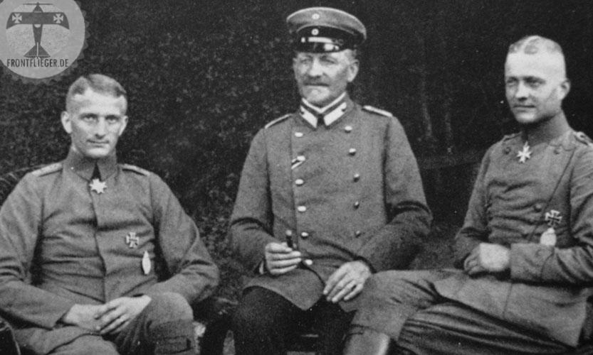 Барон фон Рихтгофен - комендант концлагеря.