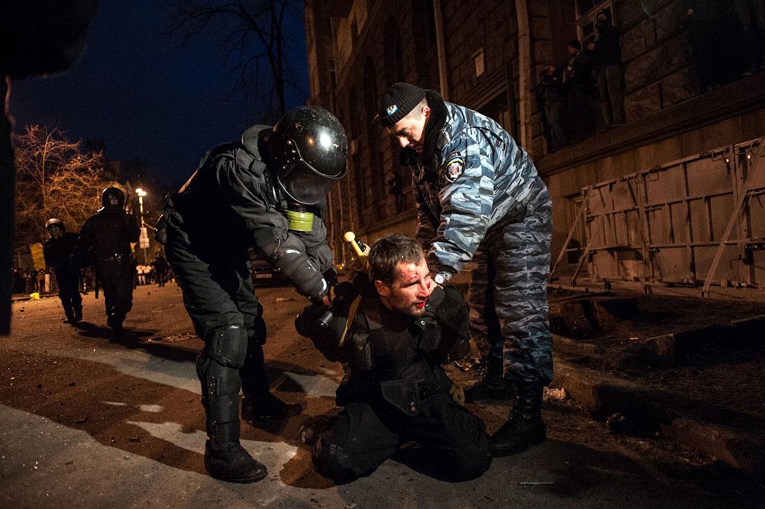 Майдан никто не поставит на колени