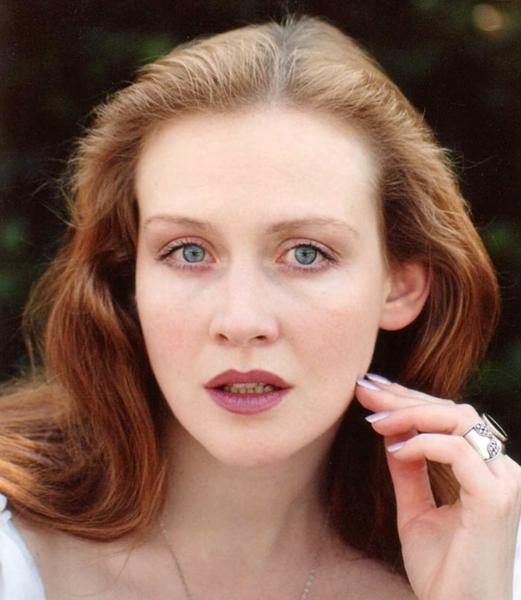 Юлия Ауг: путь в актерство из-за любви, дворянка в жизни и на экране и ее несчастная личная жизнь