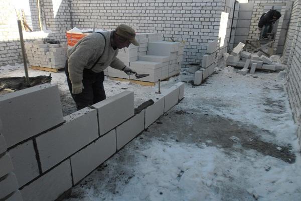 Строительство комнаты из пеноблоков своими руками 44