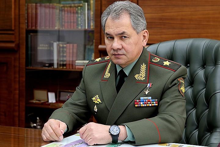 Шойгу передал Молдавии боевые знамена двух частей, освобождавших республику 75 лет назад, и рассекреченные документы