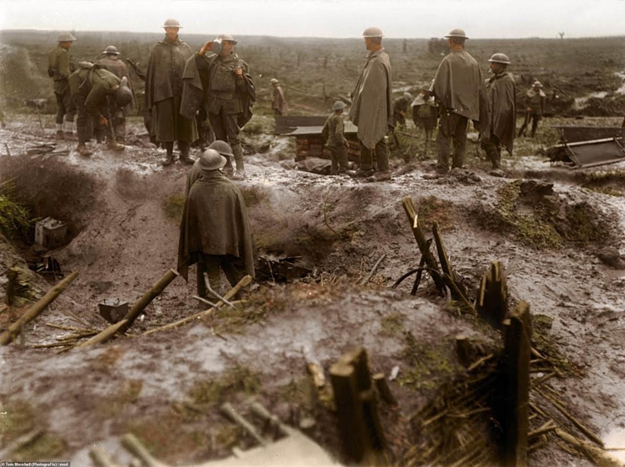 Солдаты новозеландского полка во время отдыха. Ипр, Бельгия архивное фото, колоризация, колоризация фотографий, колоризированные снимки, первая мировая, первая мировая война, фото войны