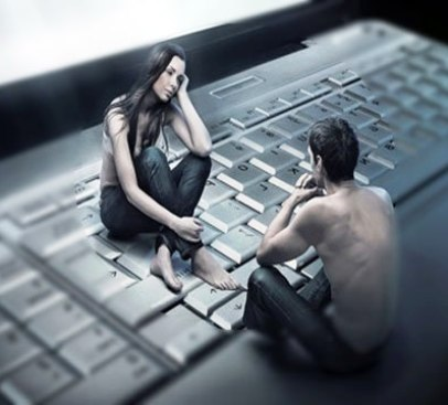 Они познакомились в Интернете. Она искала любовь, он — любовницу...