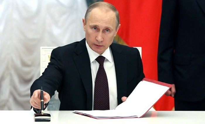Принуждение к миру: Президент РФ подписал указ о признании документов жителей Донбасса