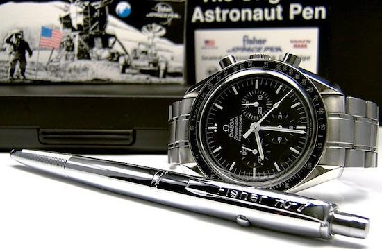 Астронавты пишут космической ручкой