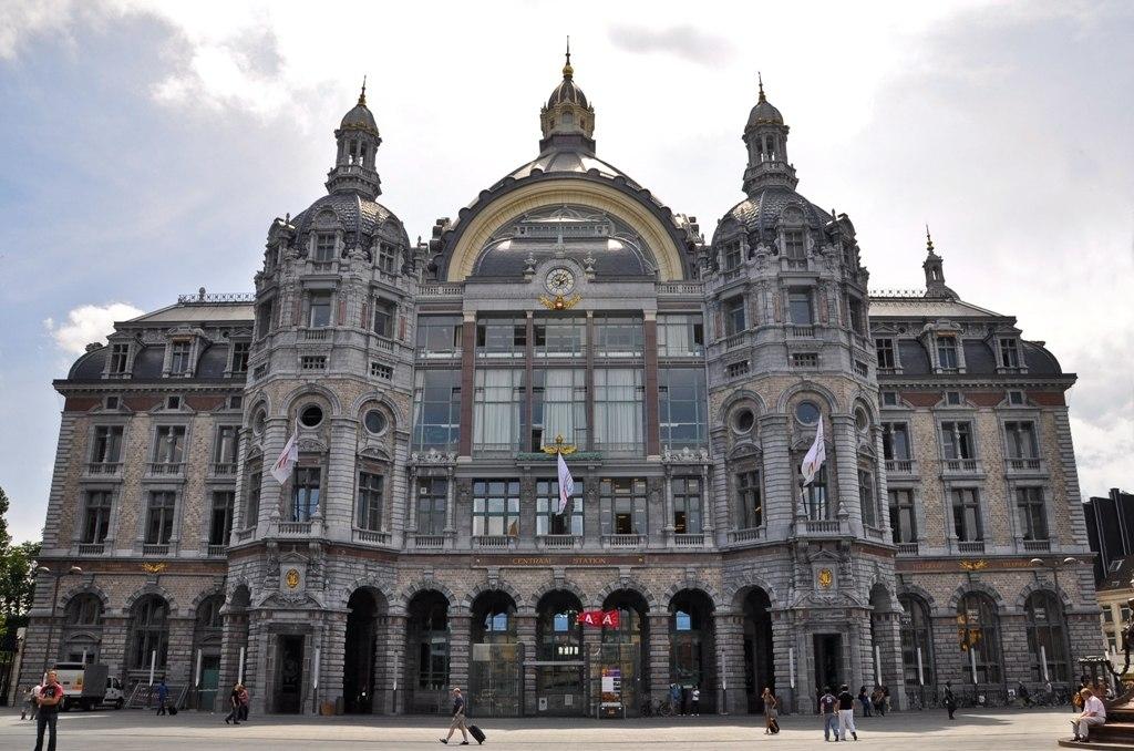 Железнодорожный вокзал в Антверпене