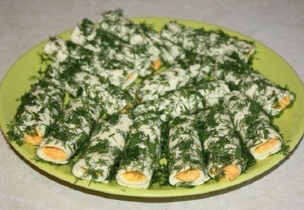 Закусочные сырные трубочки — получается такая вкусная вещь!