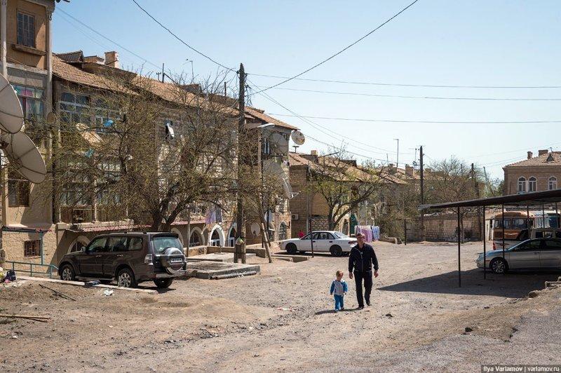 В других городах все еще хуже. Это Туркменбаши. Ашхабад, пыль в глаза, туркменистан