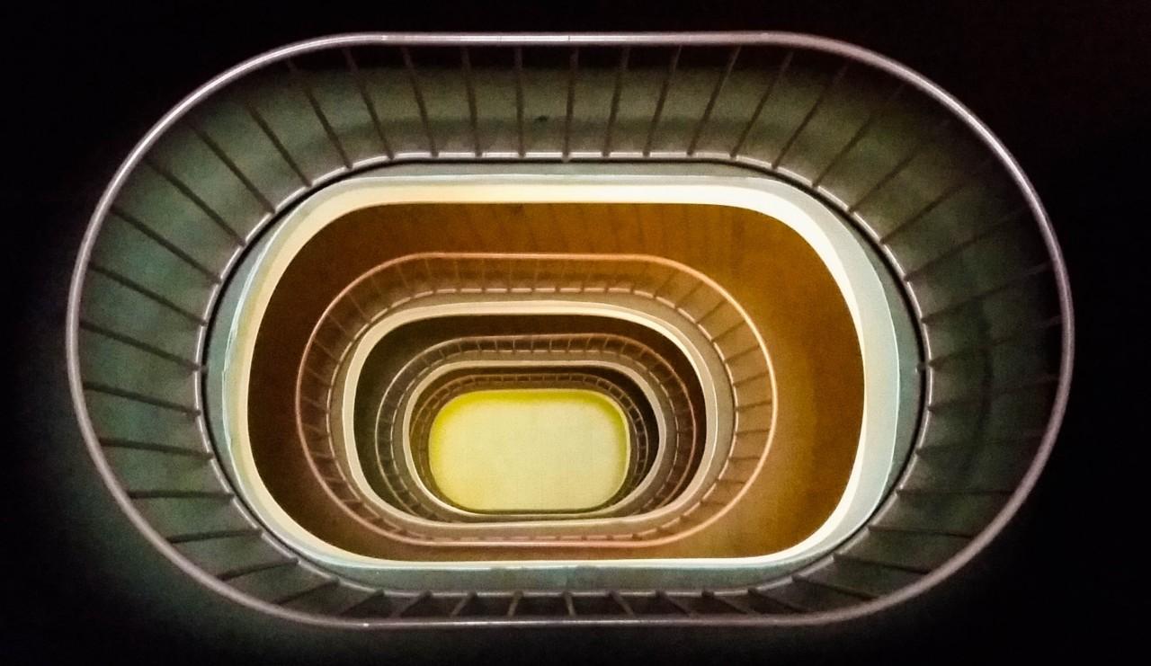 Световая шахта на лестнице